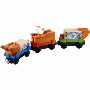 Thomas and Friends Wooden Train - Pirate Ship Delivery Cars