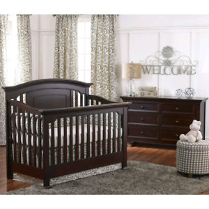Baby Caché Montana Convertible Crib and Dresser