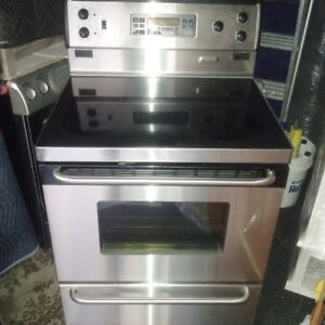 """Frigidaire 30"""" Stainless Steel Electric Glasstop Stove"""