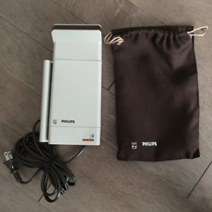 Phillips - Handheld Held Garment Steamer - Perfect for Travel