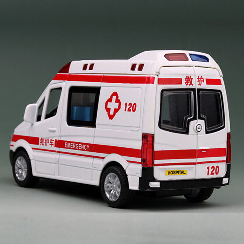 Benz Ambulance 1:36 Model Car Metal Diecast Toy Vehicle Kids Gift Sound /& Light