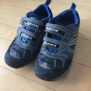 GEOX boys running shoes size 11 London Ontario image 2