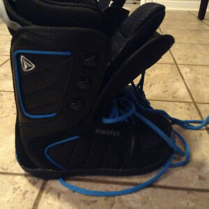 Boys snowboard boots size 23.5