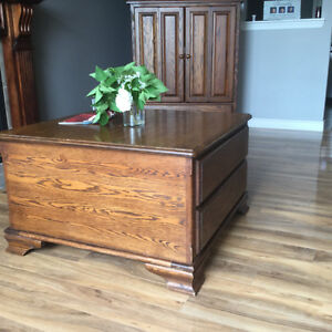 Matching Coffee Table and Entertainment Centre Peterborough Peterborough Area image 1