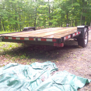 2012 FLAT BED TRAILER
