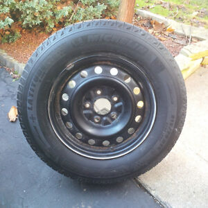 CARAVAN/JOURNEY #1 RATED MICHELIN X-ICE ON 5X127 RIMS