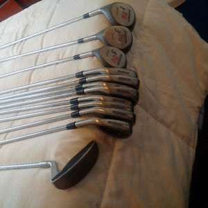 Like New Northwestern left handed ladys Golf Clubs
