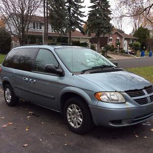 2006 Dodge Caravan Minivan, Van