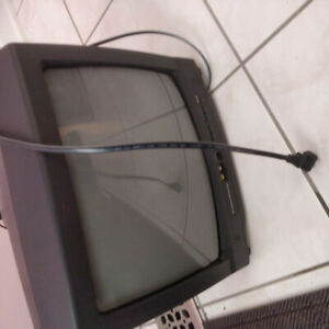 Television 13 inch tube TV