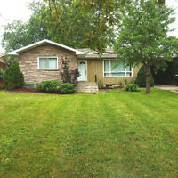 STUDENT LUXURY-- 2 minutes from Brock-- 4 BDRMS-- Wakil Drive