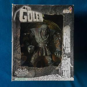 MEZCO Deluxe Golem Silent Screamer