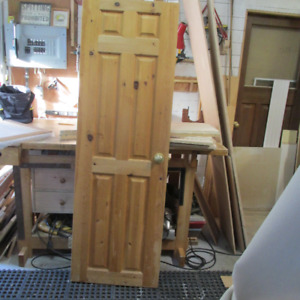 6 Panel Solid Knotty Pine Door with hinges and passage lockset