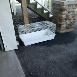 SOLD,,,,,,, LARGE RABBIT CAGE
