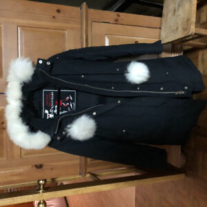 Moose knuckles (like Canada goose)winter parka size small