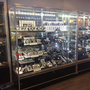 GLASS SHOWCASES/DISPLAYS FOR SALE