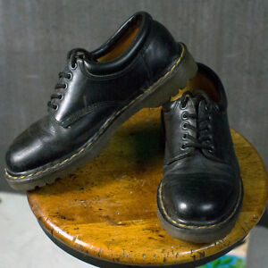 Dr Martens Size 9US Chunky Shoes