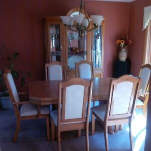 7 Piece Dining Set plus China Cabinet/Hutch