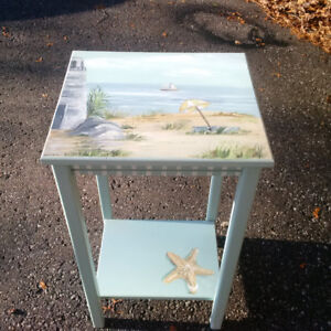 PERFECT CHRISTMAS GIFT-PRETTY HAND PAINTED TABLE BEACH SCENE
