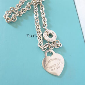 Authentic Tiffany & Co Toggle Necklace worth $760+