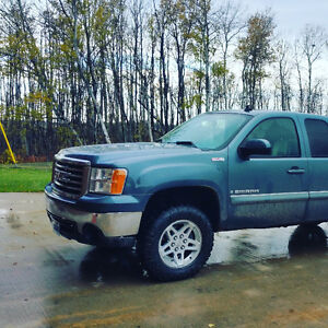 2008 GMC Sierra SLT Z71***Clean Title*** ALL TERRAIN EDITION