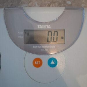 Tanita TBF-621 Body Fat Monitor/Scale London Ontario image 2