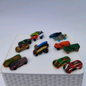 Hot wheels £5 pair or £20 for all 14 cars