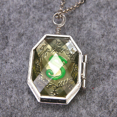 Lord Voldemort Horcrux Slytherin Locket Necklace Halloween Cosplay Accessory (Lorde Halloween)