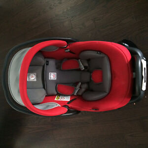 Car seat carrier and Peg prego car seat