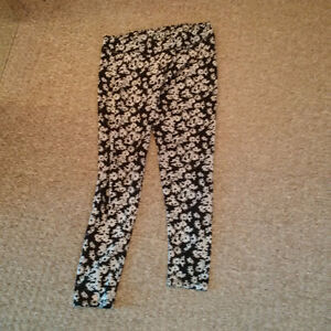 Black & Grey Floral Tights - Daisy Design