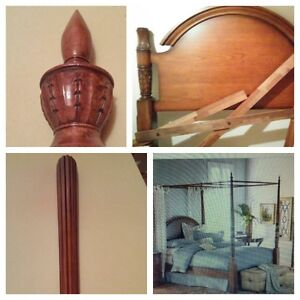 **price reduced**GORGEOUS QUEEN SIZE SOLID WOOD BEDFRAME