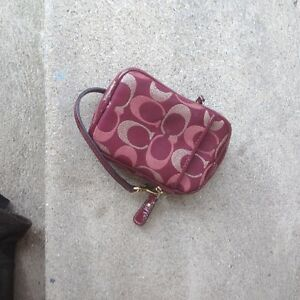 COACH POUCH/PURSES/CAMERA CASE/CELL PHONE CASE London Ontario image 2