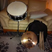 snare drum and symbol
