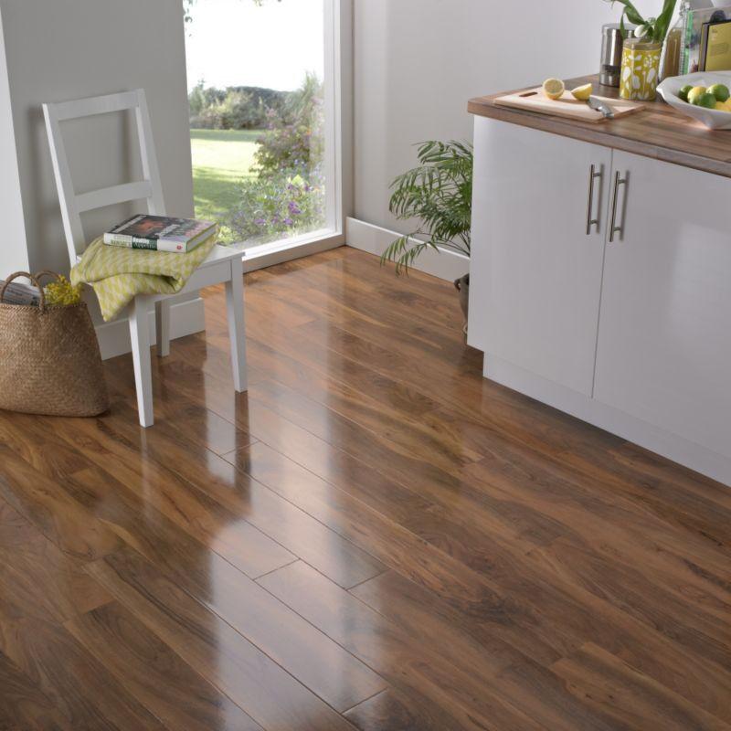 Bevelloc Walnut Gloss Laminate Flooring Brand New