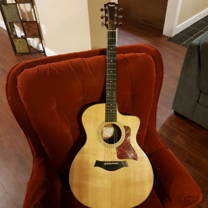 Electric Acoustic cutaway Taylor for sale