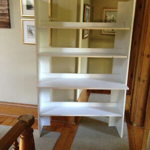 Solid and sturdy bookcase