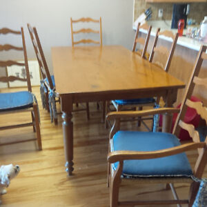50% Price Reduction-MUST SELL!! Antique Dining Set and 6 Chairs