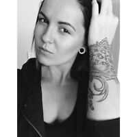 Aussie Biker chick looking for long term room!