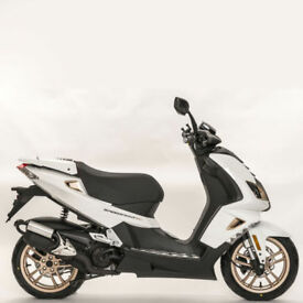 Peugeot Speedfight 50cc 4 AC Pure 0% Finance £99 deposit £20.20 pw