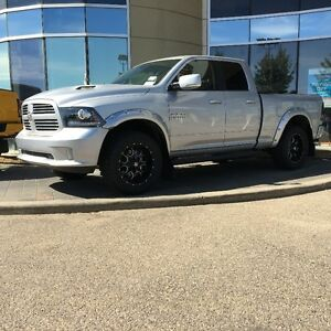 2016 RAM 1500 SPORT W/LEVELING KIT, RIMS, TIRES & MORE! 16R15577