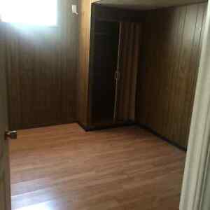 1 bedroom basement for rent