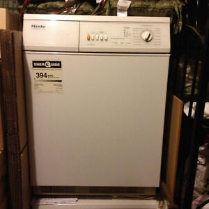 Melie Washer & Dryer  Stackable - Excellent Condition London Ontario image 2