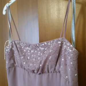 Beautiful formal dress worn once & drycleaned
