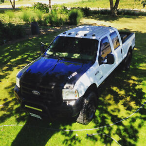 2005 Ford F-250 XLT Super Duty 6.0 Powerstroke/Studded/Deleted