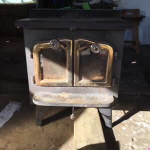 Good Wood Stove with Rear Fan