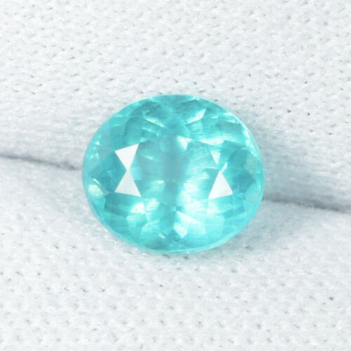 """1.23Cts Best Luster """"Paraiba Hug"""" Natural Blue Apatite Oval Cut....!!!!!"""