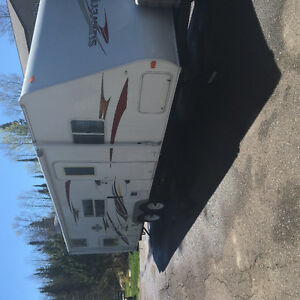 2008 29 foot trailer with bunks