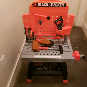 Black and decker toy tool station