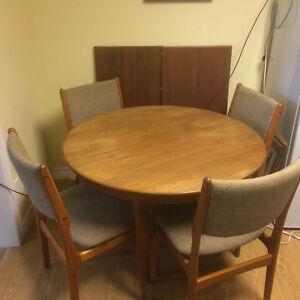 Teak dining set and buffet London Ontario image 1