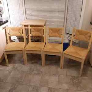 Wicker chairs Kitchener / Waterloo Kitchener Area image 1