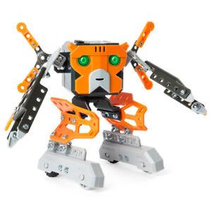 Robot assembler, parle et dance